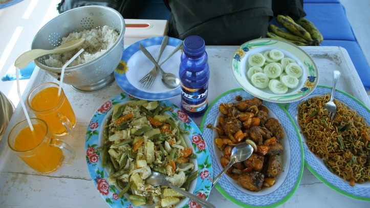 makan siang yang masak si kapten loh ini :)