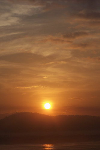 ehhhhhh maaf bukan sunset tapi sunrise haahaha
