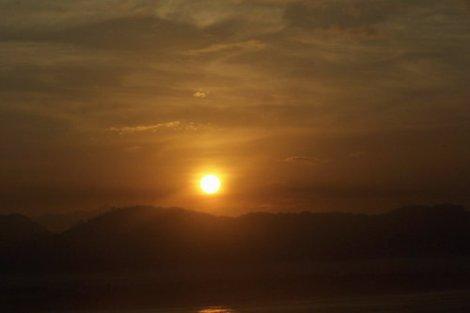 sunrise di papuma