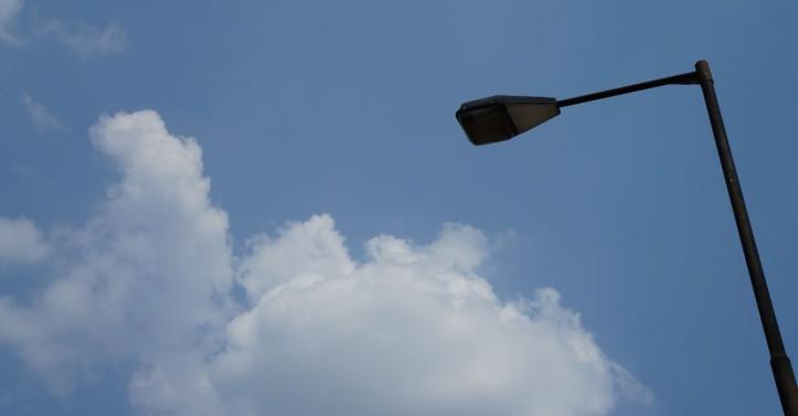 abis motret semua dan liat lampu jalan ini :) ahhh mungkin 7 bulan lagi udah gak liat dia hehe