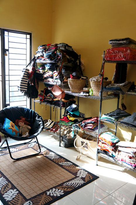 Home is where i can look and feel ugly and enjoy it - Apa itu walk in closet ...