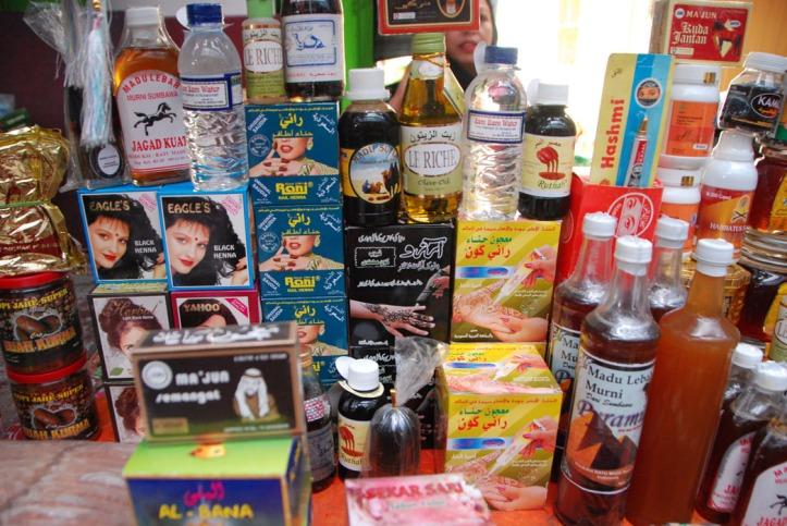 pasar di dekat mesjid Ampel