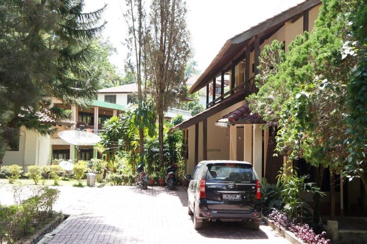 hotel Pandu Lake