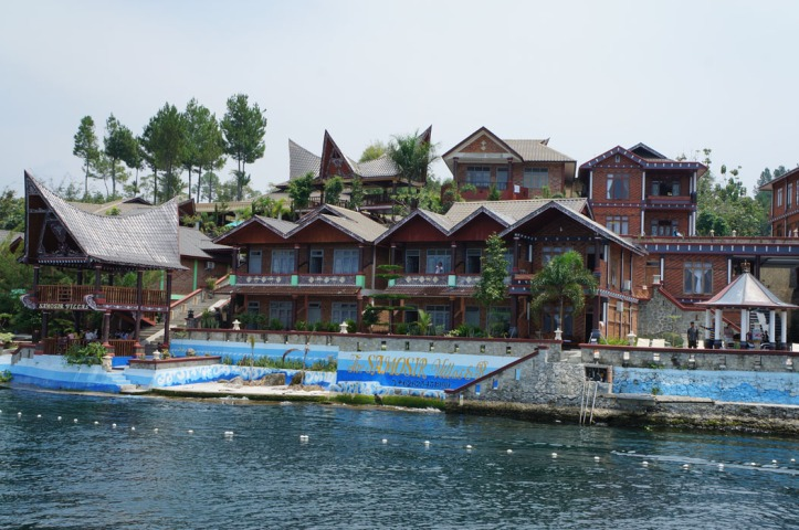 samosir villas