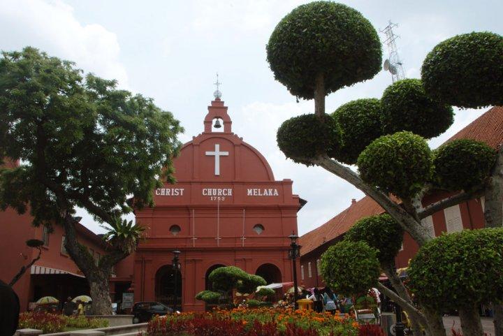 Gereja tua