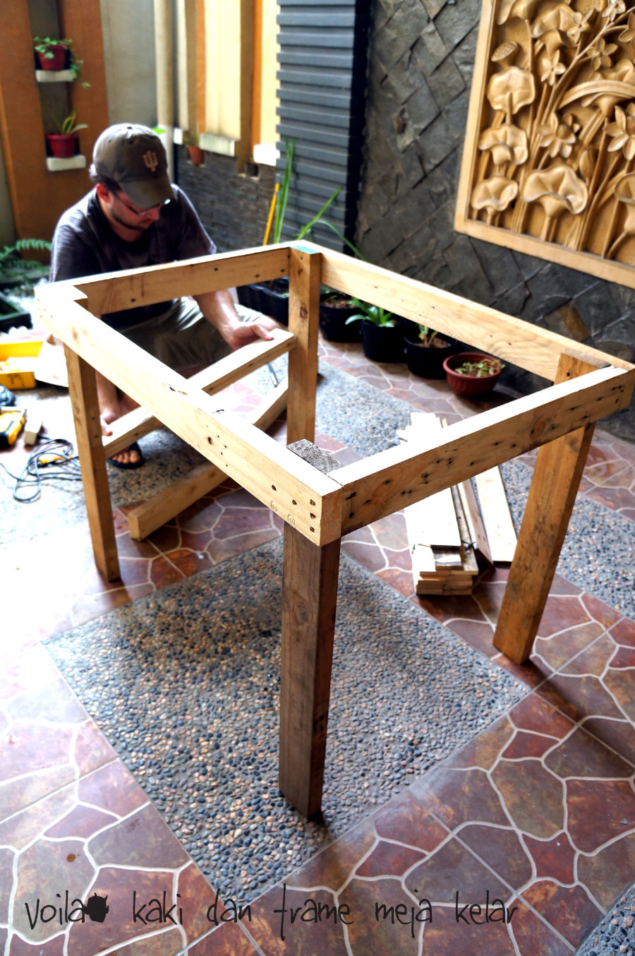 DIY Outdoor Table From Pallet Wood Nonikhairani