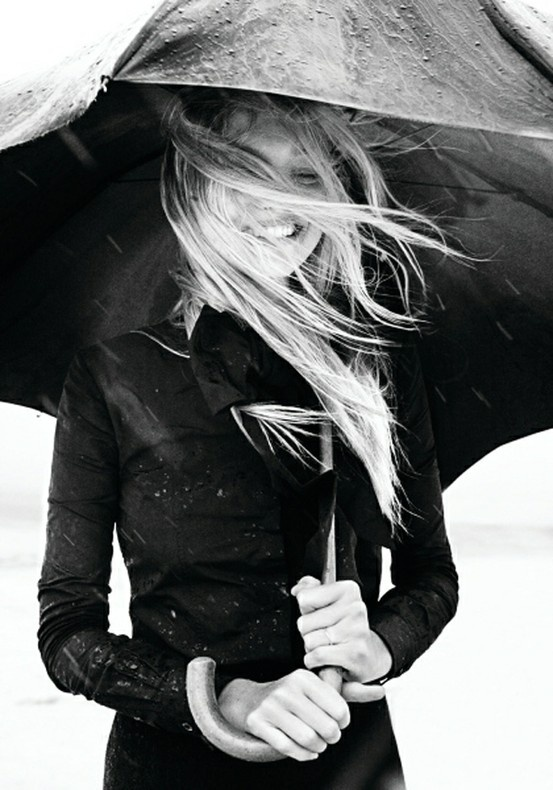 Kenapa doi bisa tetep keliatan mengkilat gini ya walo kena hujan? coba kita pasti udah busuk deh haha. pic dari http://www.pinterest.com/pin/521221356845703657/