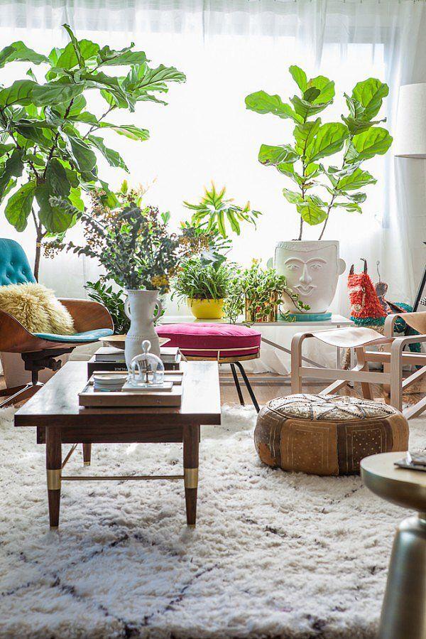 Found on casasugar.com  Selalu suka ide narok tanaman di ruangan walo kalau di rumah selalu mati karena yang bersih2 selalu kelupaan ngeluarin huhu