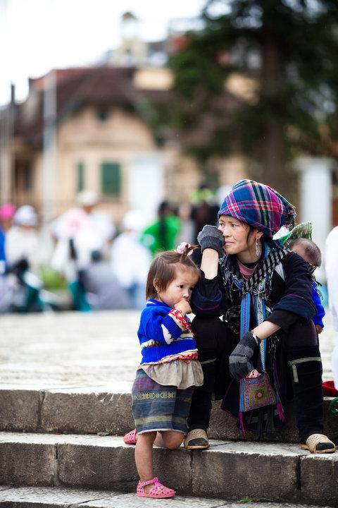 Ibu dan Anak di pasar