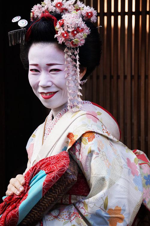 Salah satu geisha yang ketemu di jalan dan cukup ramah