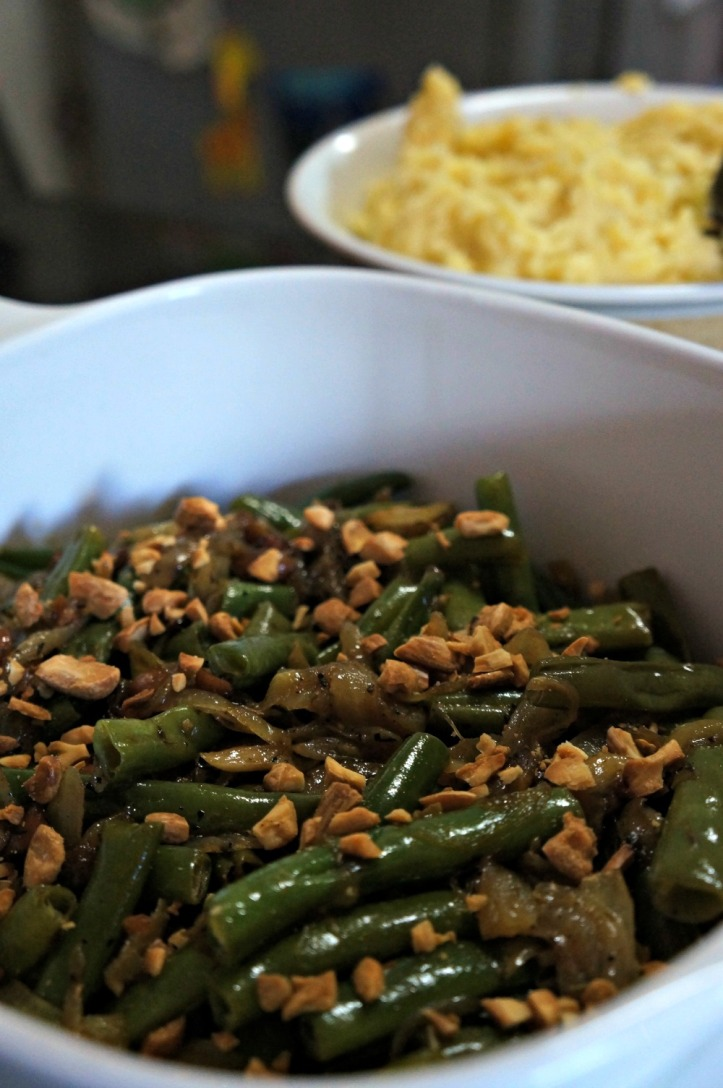 Green bean with almond