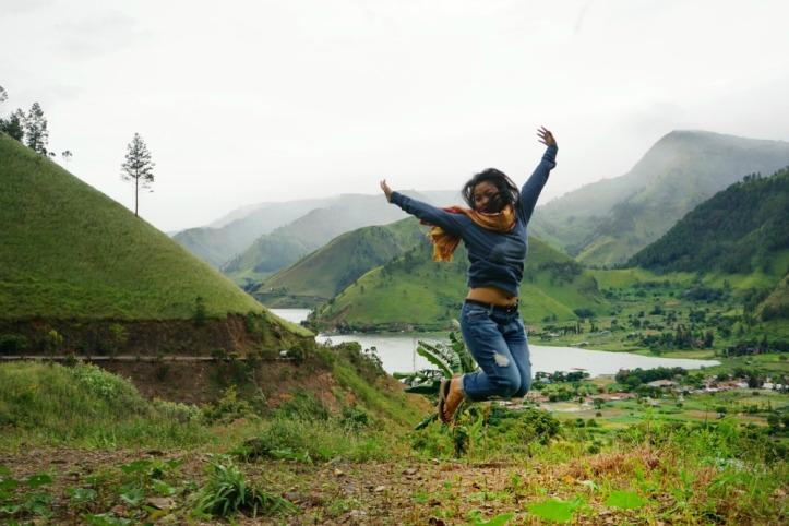 Jump......background Bukit Barisan