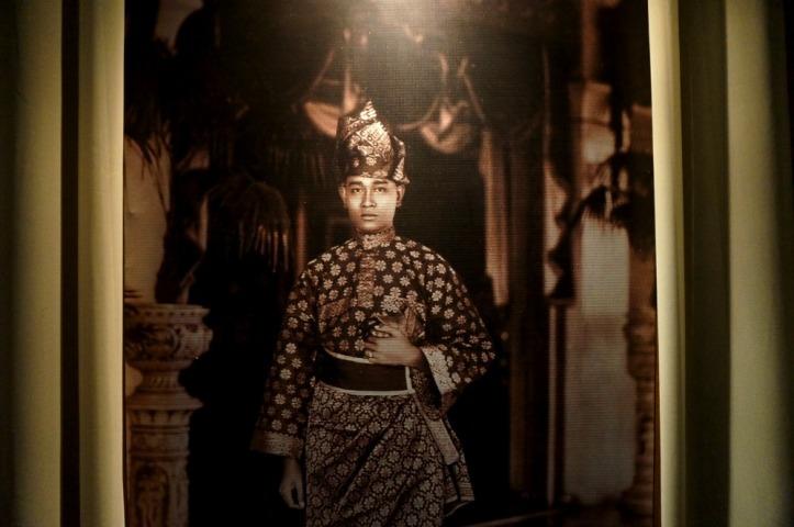 Salah satu sultan Deli (lupa nama) tapi ganteng ya
