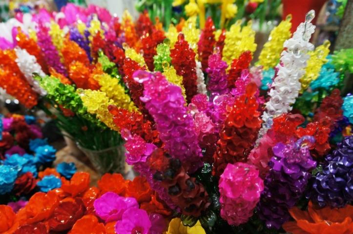 Bunga palsu pastinya