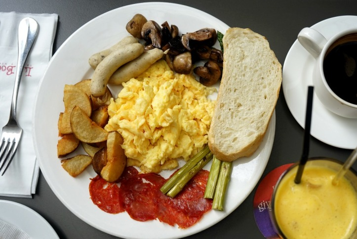 gak inget namanya apa tapi telur dan kentangnya super enak!