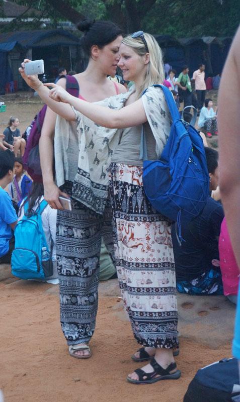 Ini salah satu gaya Cambodia :)