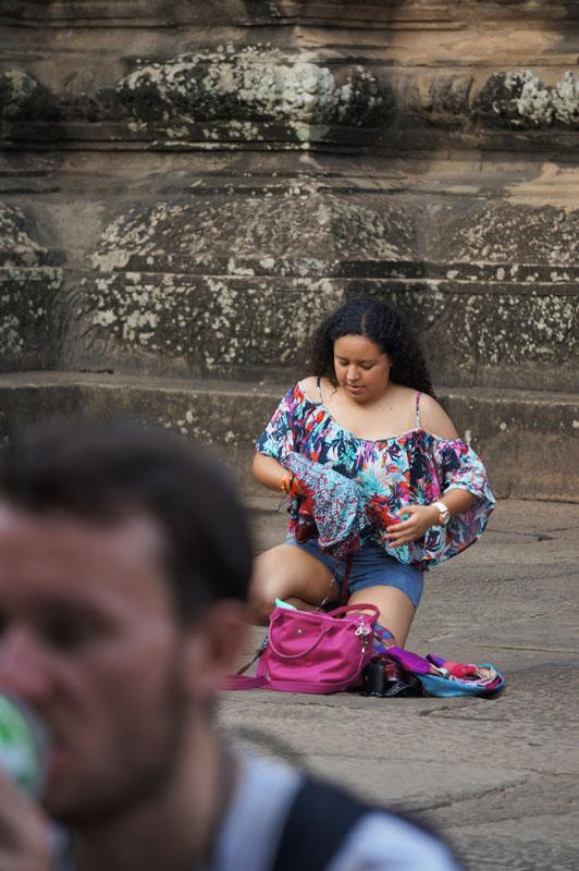 :) terlalu panas emang di Cambodia