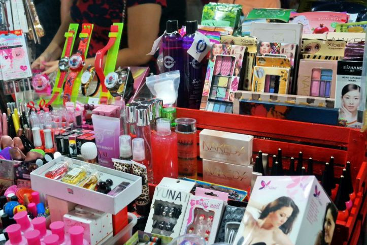 Belanja Make up ngapain online, disini aja hehe Asia Mega Mas Medan