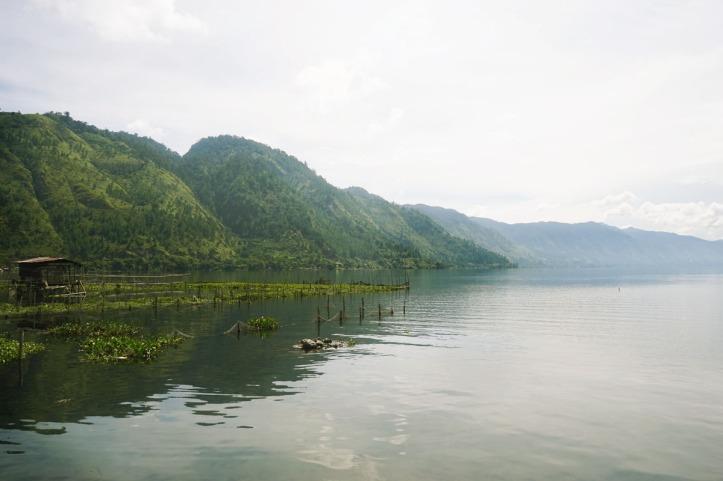 Pagi di Danau Lut Tawar