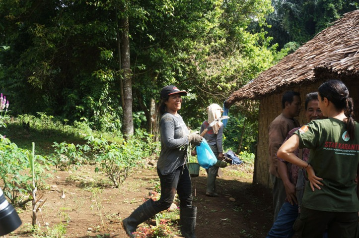 Beberapa ibu pekerja di Orangutan Haven