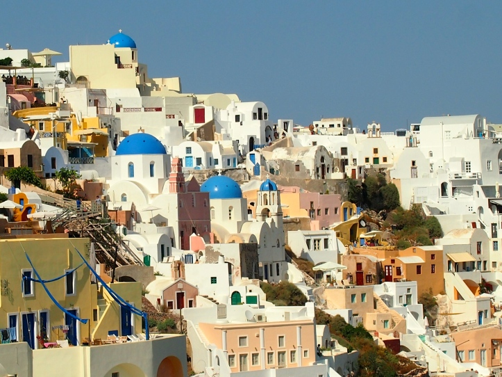 Santorini Pic was taken by @jalan2liburan