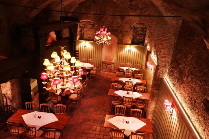 Salah satu bar bawah tanah di Prague