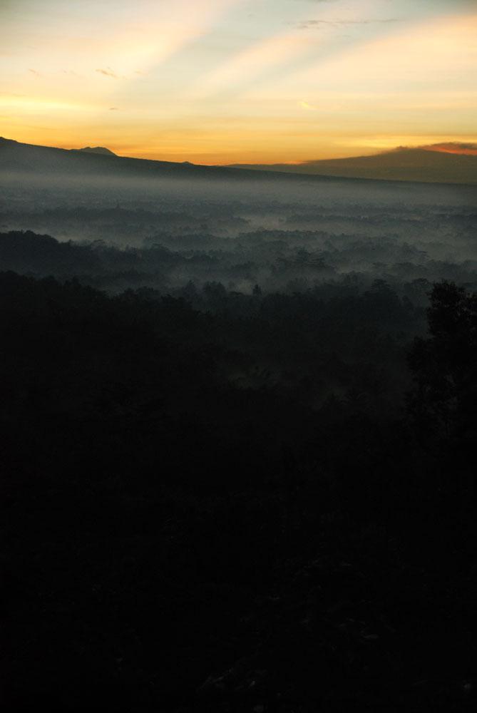 Punthuk Setumbu - Magelang
