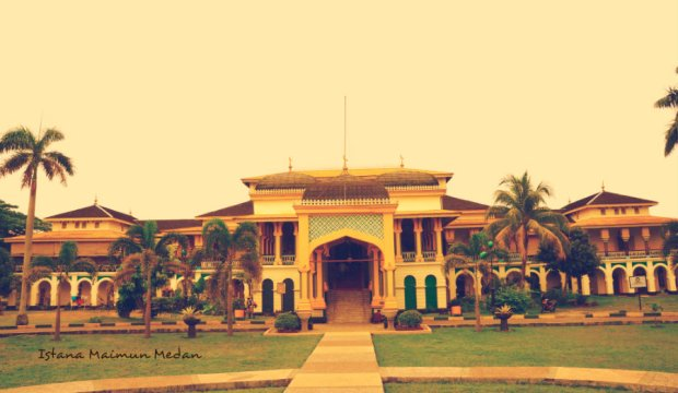 Istana Maimun dan legenda Puteri Hijau