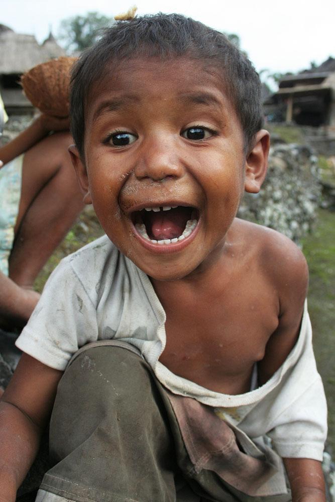 Anak-anak di Kampung Bena
