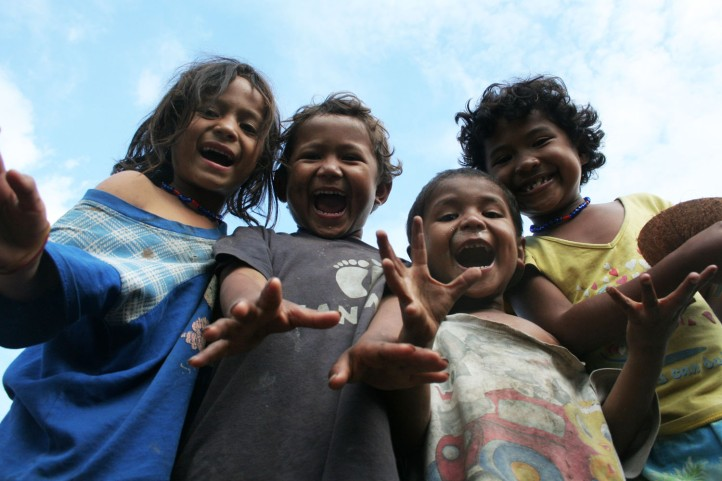 Anak-anak Kampung Bena
