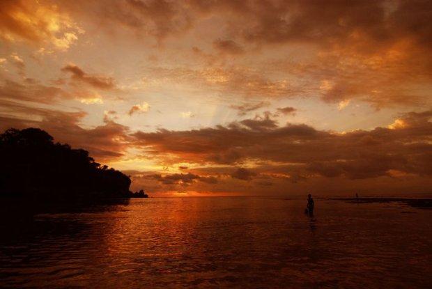 Pantai Padang Padang Bali
