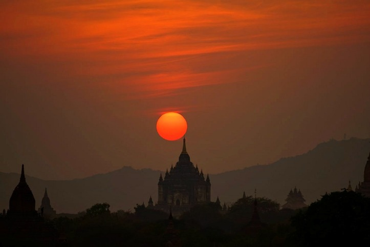 Sunset di Bagan