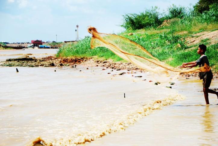 Nelayan disekitar Tonle Sap Cambodia
