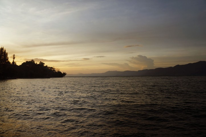 Sunset Danau Toba