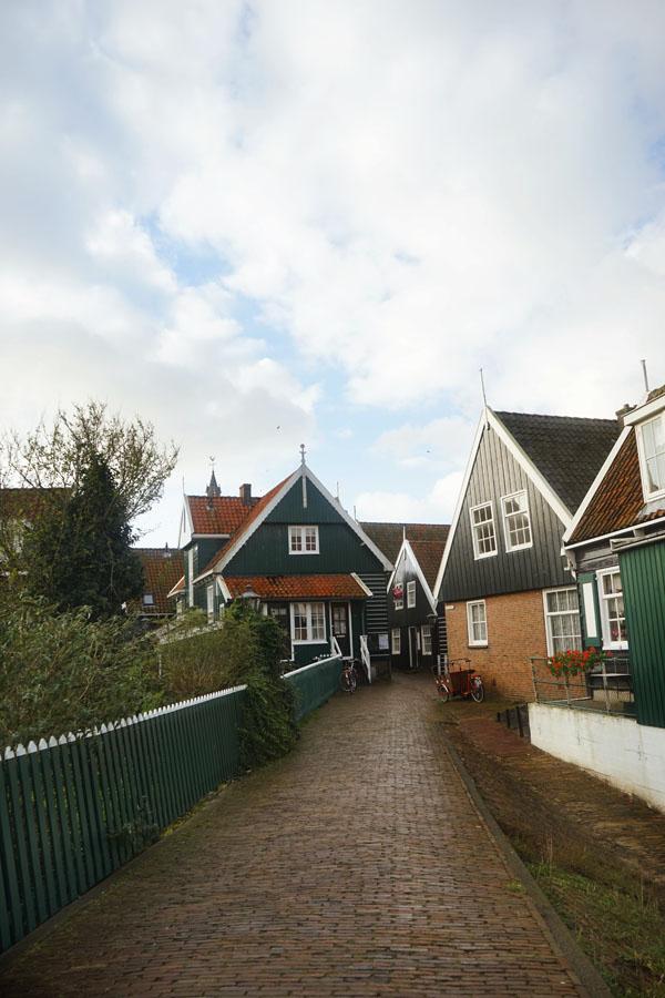 Marken Belanda