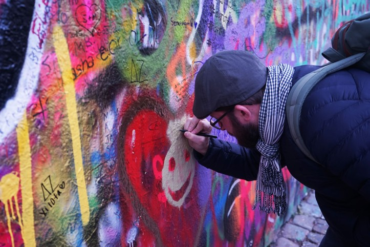 Lennon Wall Velkopřevorské náměstí, 100 00 Praha 1, Republik Cheska