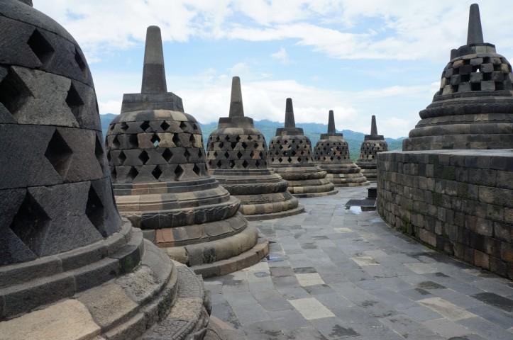 Candi Borobudur dan Asal Usulnya – Nonikhairani
