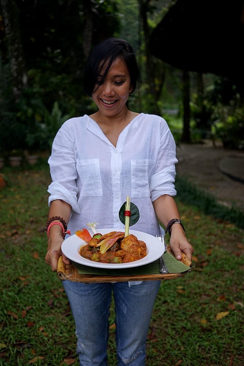 Nyobain Makanan Khas Karo di Kapal Bambu Restaurant Bukit Lawang